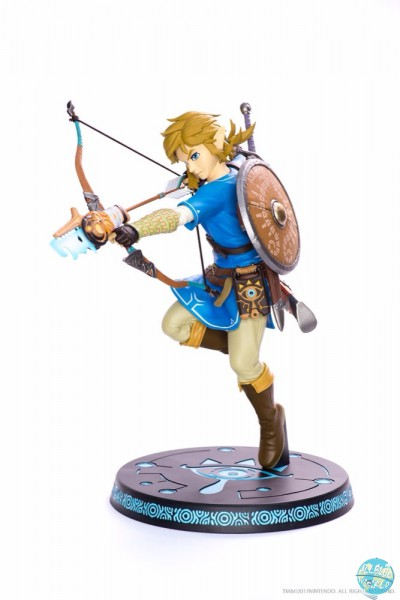 The Legend of Zelda Breath of the Wild - Link Statue: First 4 Figures