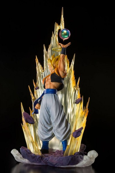 Dragon Ball Z - Super Saiyan Gogeta Statue: Tamashii Nations