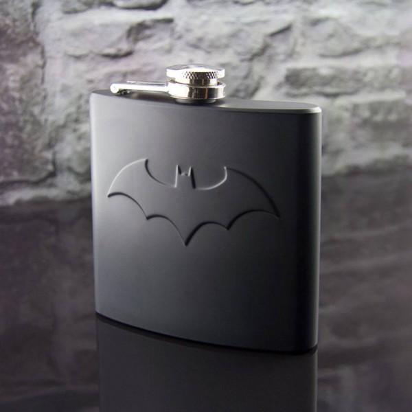 DC Comics - Batman Flachmann mit Logo: Paladone Products