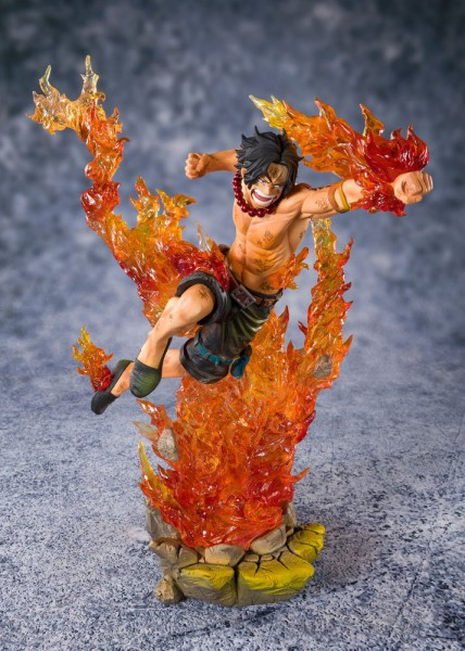 One Piece - Ace Figur / FiguartsZERO - Commander of the 2nd Division: Tamashii Nations