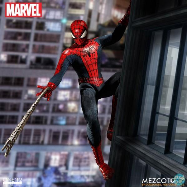 Marvel Universe - Spider-Man Actionfigur: Mezco