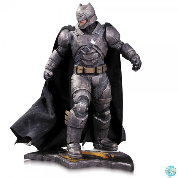 Batman v Superman - Dawn of Justice - Armored Batman Statue: DC Collectibles