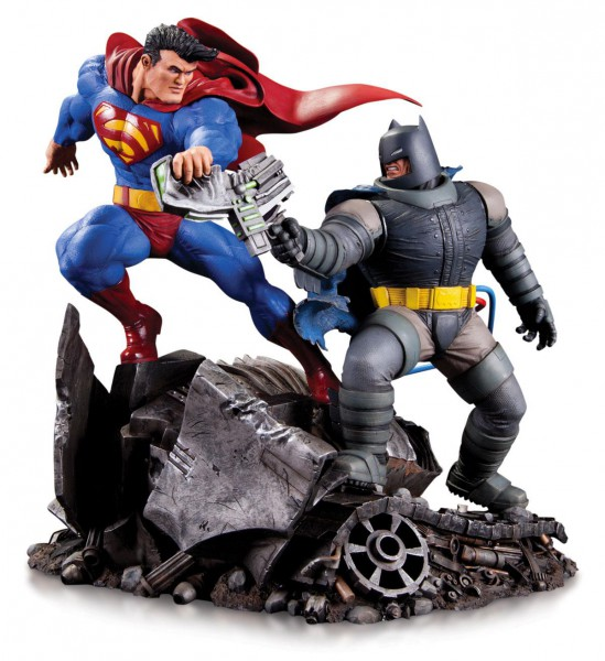 DC Comics - Mini Battle Statue Batman vs. Superman: DC Collectibles