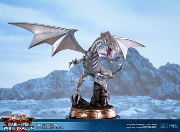 Yu-Gi-Oh! - Blue-Eyes White Dragon Statue / White Edition: First 4 Figures