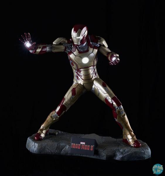 Iron Man 3 - Iron Man Statue - Mark XLII: Muckle Mannequins
