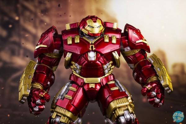 Avengers AOU - Hulkbuster Statue: Iron Studios