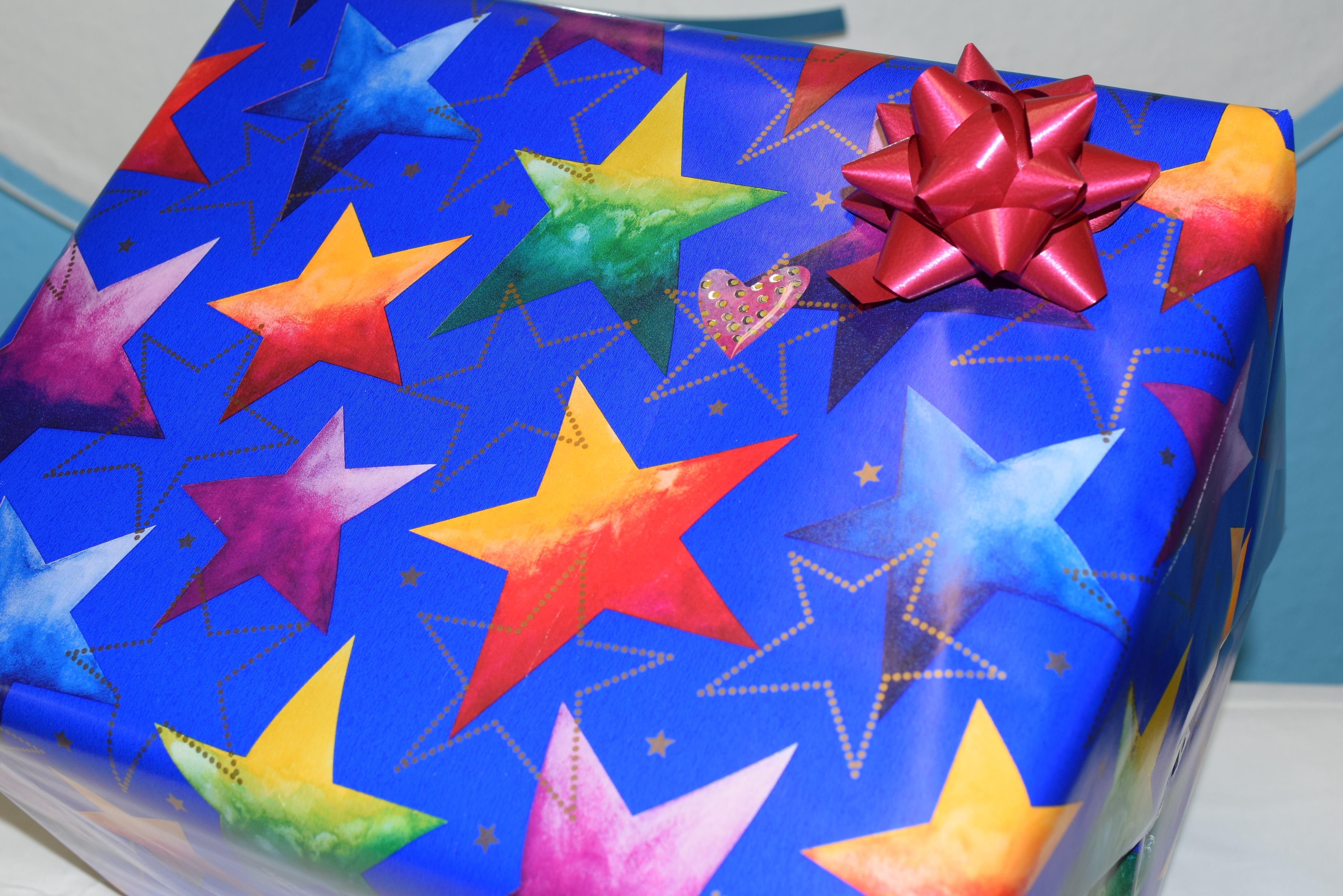 hilfe weihnachtsgeschenke einpacken dein allblue world service allblue. Black Bedroom Furniture Sets. Home Design Ideas