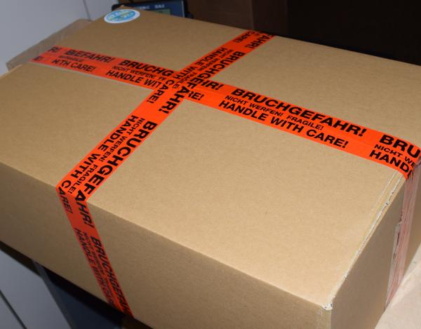 Allblue-Versand-Paket