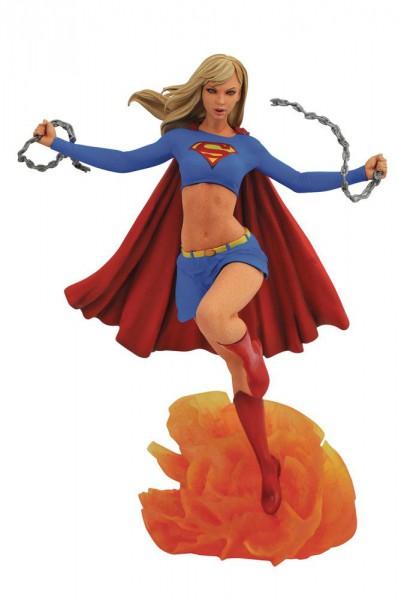 Supergirl - Supergirl Statue / DC Comic Gallery: Diamond Select