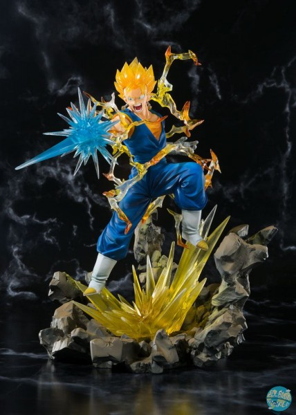 Dragonball Z - SSJ Vegeto Statue - FiguartsZERO / Tamashii Web Exclusive: Bandai