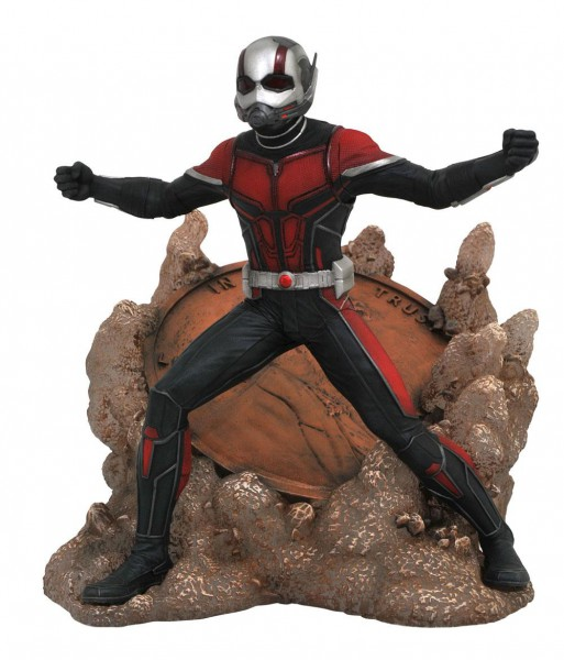 Ant-Man and The Wasp - Ant-Man Statue / Marvel Movie Gallery: Diamond Select