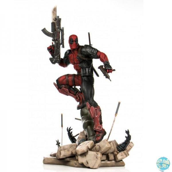 Marvel Comics - Deadpool Statue / PrototypeZ by Erick Sosa: Semic