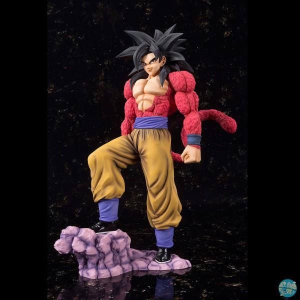 Dragonball GT - SSJ4 Son Goku Statue - FiguartsZERO EX: Bandai